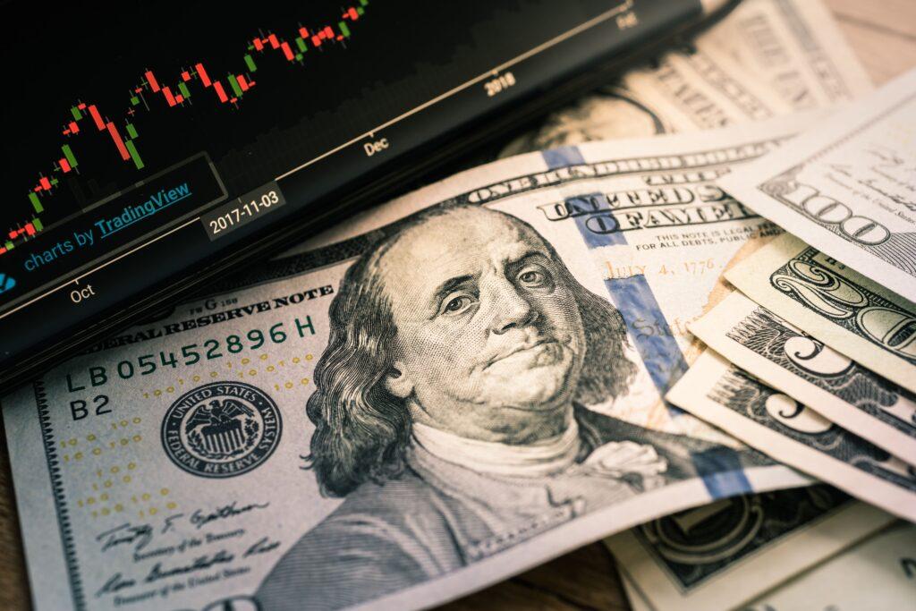investir em dolar no Brasil